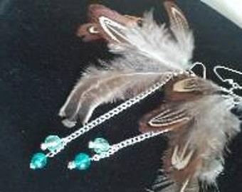 Boho 5feather dangle earrings with blue bead