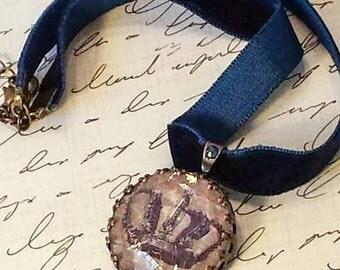 Vintage Inspired Royal Blue Velvet Steampunk Choker, Vintage crown, steampunk jewelry Victorian Choker  steampunk choker luxe hardware OOAK