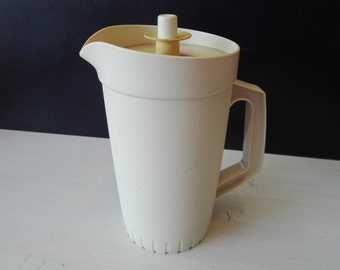 Vintage tupperware pitcher