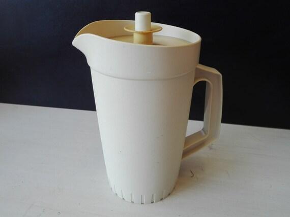 Vintage tupperware pitcher