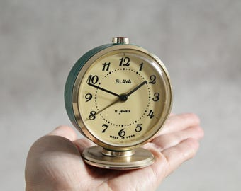 Vintage alarm clock, Slava, 11 Jewels, made in USSR, Soviet alarm clock, working condition, turquoise clock, retro bedroom décor
