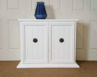 Three drawers chest / dresser with door / low dresser