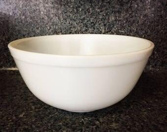 Pyrex Opal White Mixing Bowl 403 - 2 1/2 Qt.