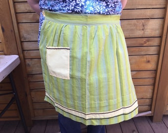 New,  Never Worn Waist Apron with Pocket and Rick Rack 1970's
