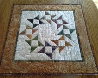 Ring Around Posie Quilted Table Topper