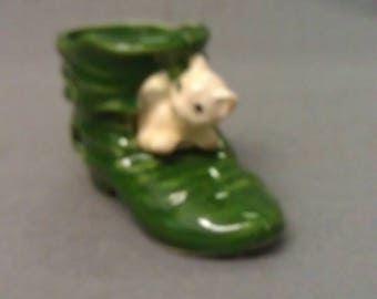 Beige Colorful Cat in Green Shoe Boot Tooth Pick Holder