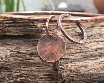 Hammered Copper Circles Bangle, Chunky Copper Bangle with Copper Disc and Circle Charms, Gift for Her, Jingle Jangle, Bangles, Bracelets, UK