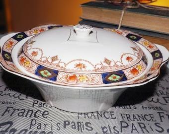 Almost antique (c.1920s) Royal Staffordshire   AJ Wilkinson Hampton covered, handled vegetable bowl   tureen. Imari colors cobalt, gold.