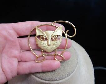 Vintage Large Brushed Goldtone Cat Pin