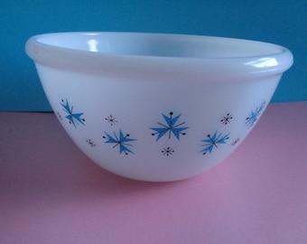 Vintage 1950's white Phoenix opalware glass pudding bowl with a blue Atomic starburst design. Kitchenalia. Mid Century. Pyrex like