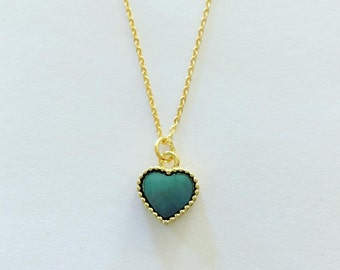 beautiful mother of pearl heart pendant necklace in gold