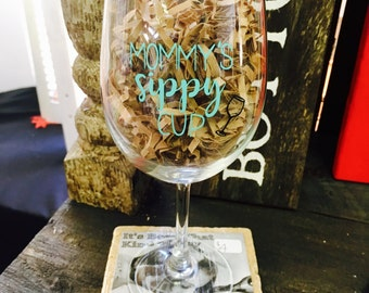Mommy's Sippy Cup Wine Glass, Wine glass, Mom's wine glass, Wine gift for mom, funny wine glass, Mommy's cup, Mommy's wine glass