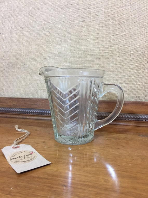GLASS MEASURING JUG - Retro Mid Century Glass Measuring Jug / Vintage Kitchenalia / Retro Kitchen Ware / 50s 60s 1litre Measure Glass Jug