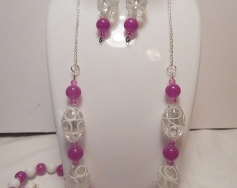 Beautiful Magenta & White necklace, with silver chain and Lobster clasp.