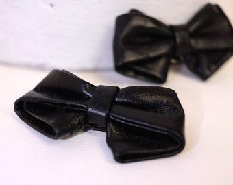 Retro Black Bow Shoe Clips