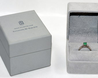 30% OFF SALE with free resizing!! Custom Monique Lhuillier .50ct Colombian Emerald Platinum Ring