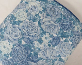 Handmade Birght and Beautiful Blue Roses Quillow
