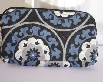 Wristlet wallet quilted black blue white