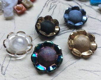 5 vintage glass buttons - flower buttons - collector / glass buttons - flower buttons