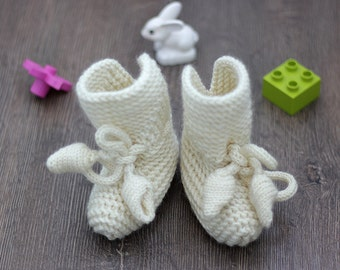 Hand knit baby Off white booties, Baby Booties with size 0 to 24 Months, Baby Shoes Mary Jane Booties, gift ideas