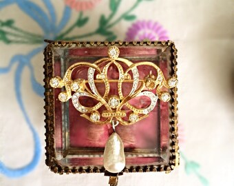Stunning Art Nouveau Vintage Brooch