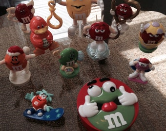 Lot of 11 m&m's toys. Assorted.