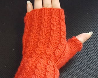 Cabled red fingerless mitts