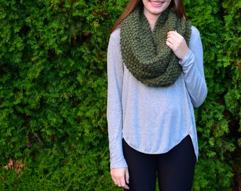 Oversized Chunky Knitted Cowl Infinity Scarf - Olive Green