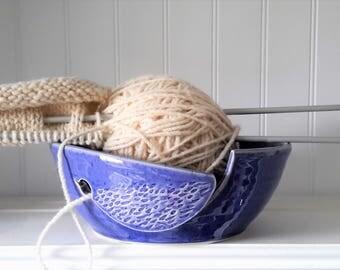 handmade yarn bowl with bird motif, crochet bowl,  pottery wool bowl, ceramic yarn bowl, knitter's bowl, unique yarn bowl, mother's day gift