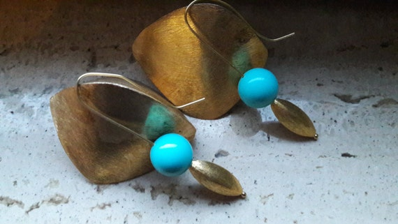 Gold-plated silver earrings  with turquoise sphere