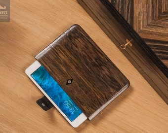 Handcrafted wooden case for iPad Mini 2/3 - Bog oak