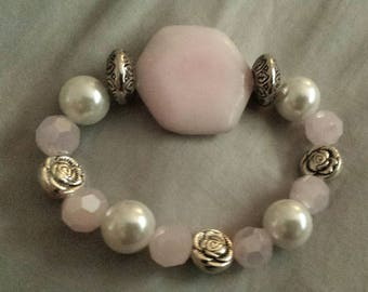 Rose pink glass beaded bracelet