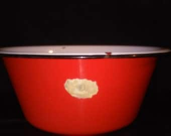 RED ENAMELWARE DISHPAN