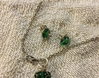 Wrapped Dark Green Necklace/Earring Combo