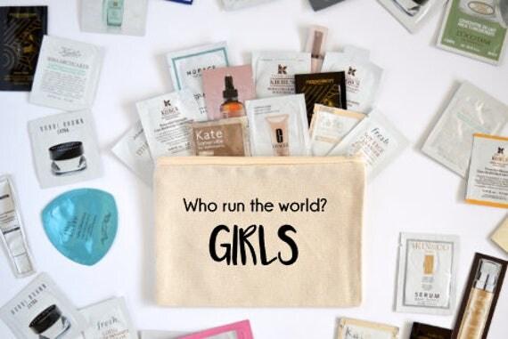 Canvas Cosmetic Bag: Who Run The World? GIRLS - Makeup Bag