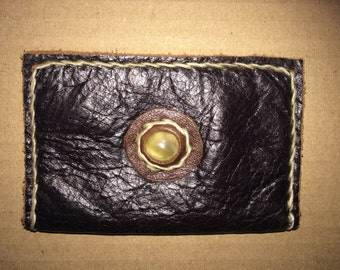 Leather card holder hand stitched with natural shell centrepiece - Jungle Leather