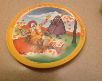 """Ronald McDonald 10"""" plate from 1977"""