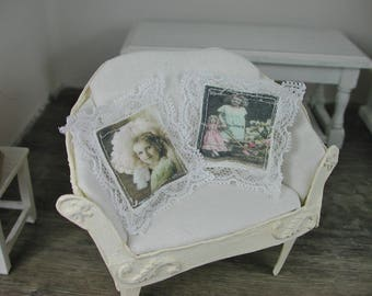 Vintage pillows in miniature 1zu12 for the Doll House, Doll House, dollhouse miniatures,.