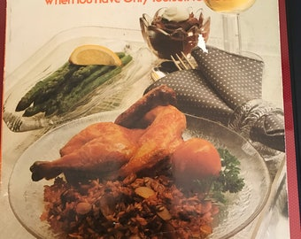 Betty Crocker's * COOKING FOR ONE* Menues And Recipes* When You Have Only Yourself To Please* Golden Press*
