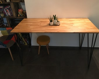 High table in oak and raw steel hairpins legs.