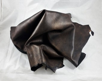 Goatskin sponged nappa metallized leather hides. A85