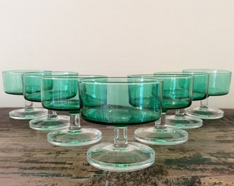 Set of 7 Vintage 1970s J.G. Durand Luminarc Spruce Green Cavalier Champagne Coupe Drinking Glasses  - Mid-Century Stemware
