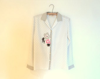 Beautiful blouse for woman. Blouse semi-transparent 80 years. Vintage women's clothing. In excellent condition.