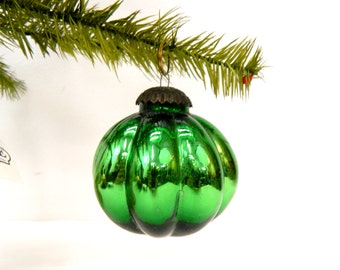 Vintage 1970s Green German Kugel Ornament...Emerald Green Round Ribbed Christmas Tree Ornament...Holiday Decoration...Brass Topper