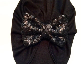 Black turban bow