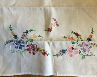 Vintage Linen Rectangular Cross Stitched and Embroidered Flowers Table Runner/Dresser Cloth