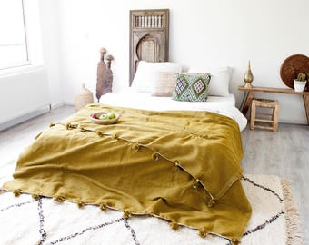 Moroccan Pompom Blanket 'Golden Dream'
