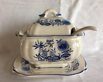 Vintage oriental blue floral tureen with under plate and laddle mid century ceramic