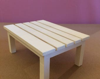 Nice Coffee Table wood, white sand for display in your Dolls scenes
