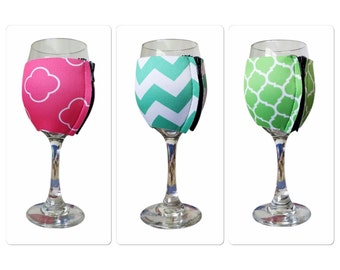 Monogrammed wine hugger / monogrammed insulated wine wrap /  monogrammed zipper glass wrap